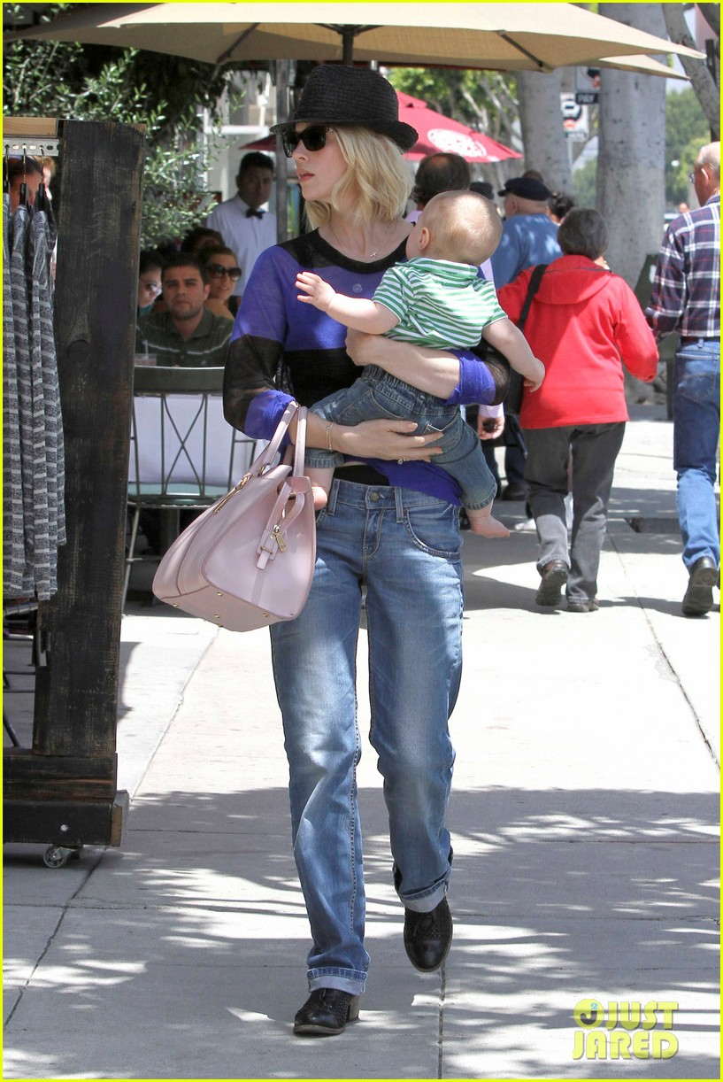 january jones lunch with xander 082660655