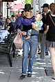 january jones lunch with xander 06