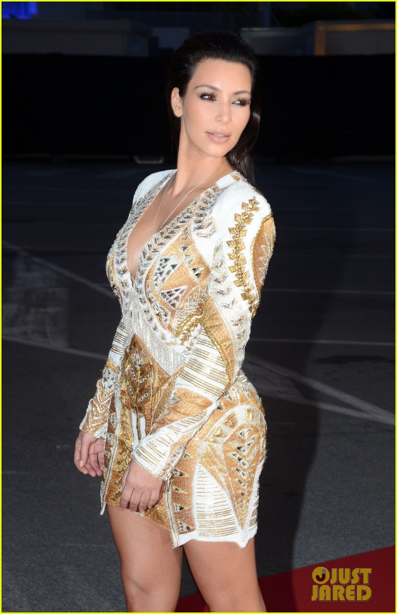 kim kardashian cannes events with kanye west 08