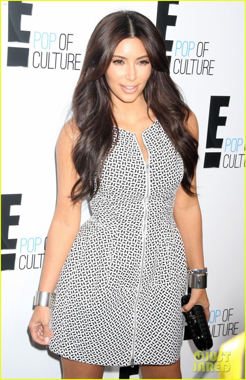 kim kardashian kelly osbourne e upfronts 2012 082656231