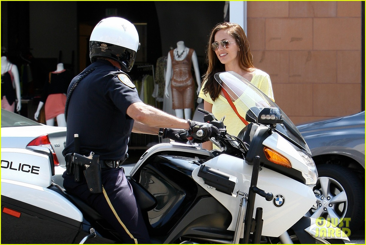 minka kelly police officer errands 232659256