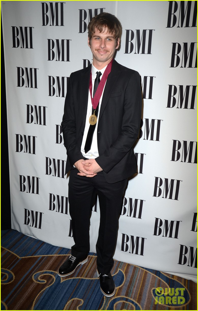 kesha 60th annual bmi pop awards 082662672