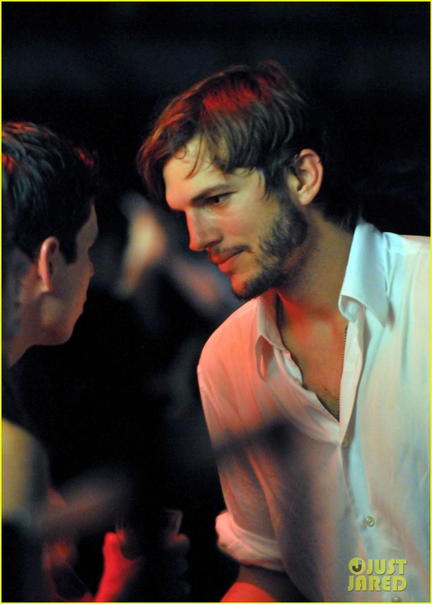 39d6463a5239b Ashton Kutcher   Tom Brady  Derby Dudes!  Photo 2657754