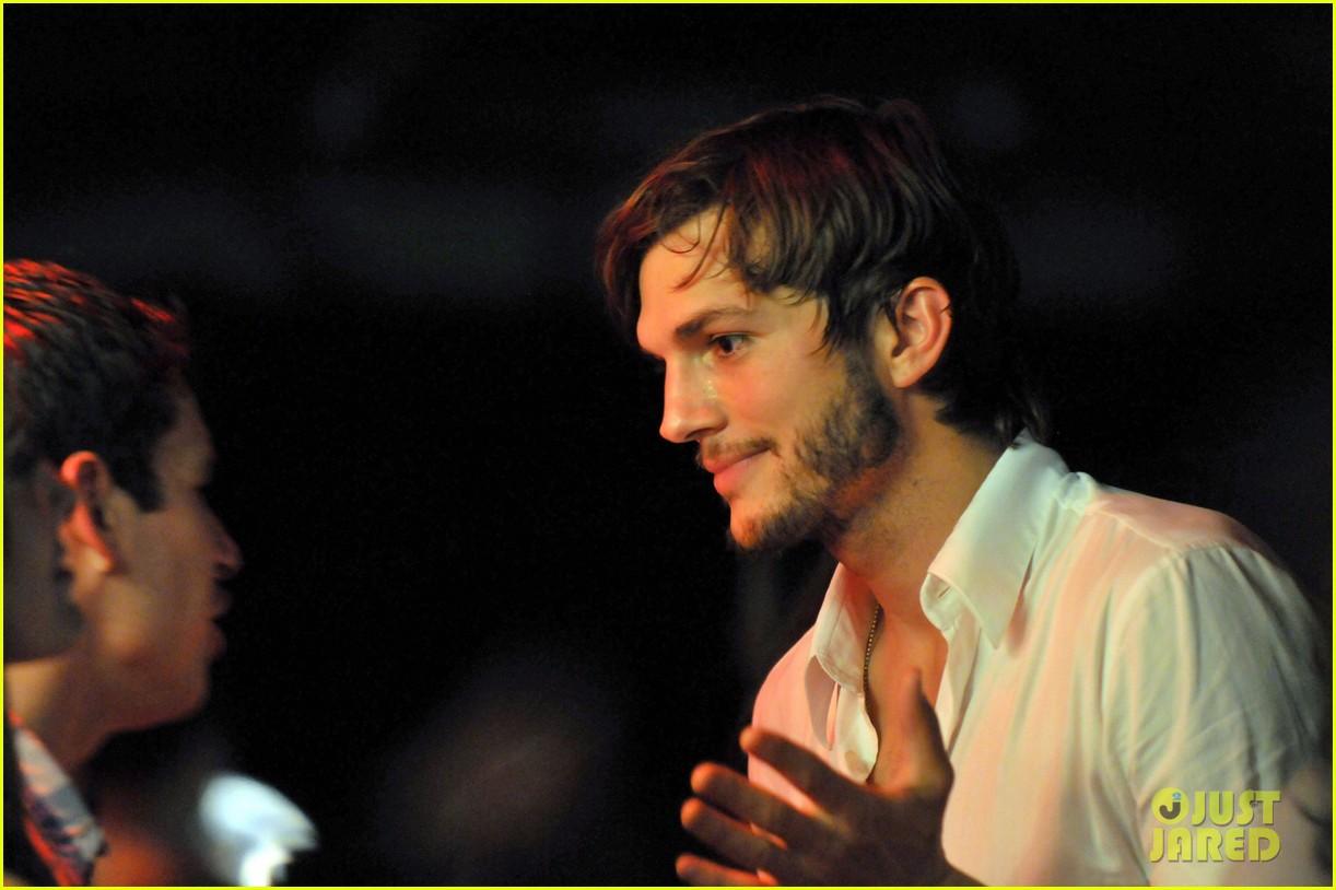 5b7d3c6ca80d6 Ashton Kutcher   Tom Brady  Derby Dudes!  Photo 2657757