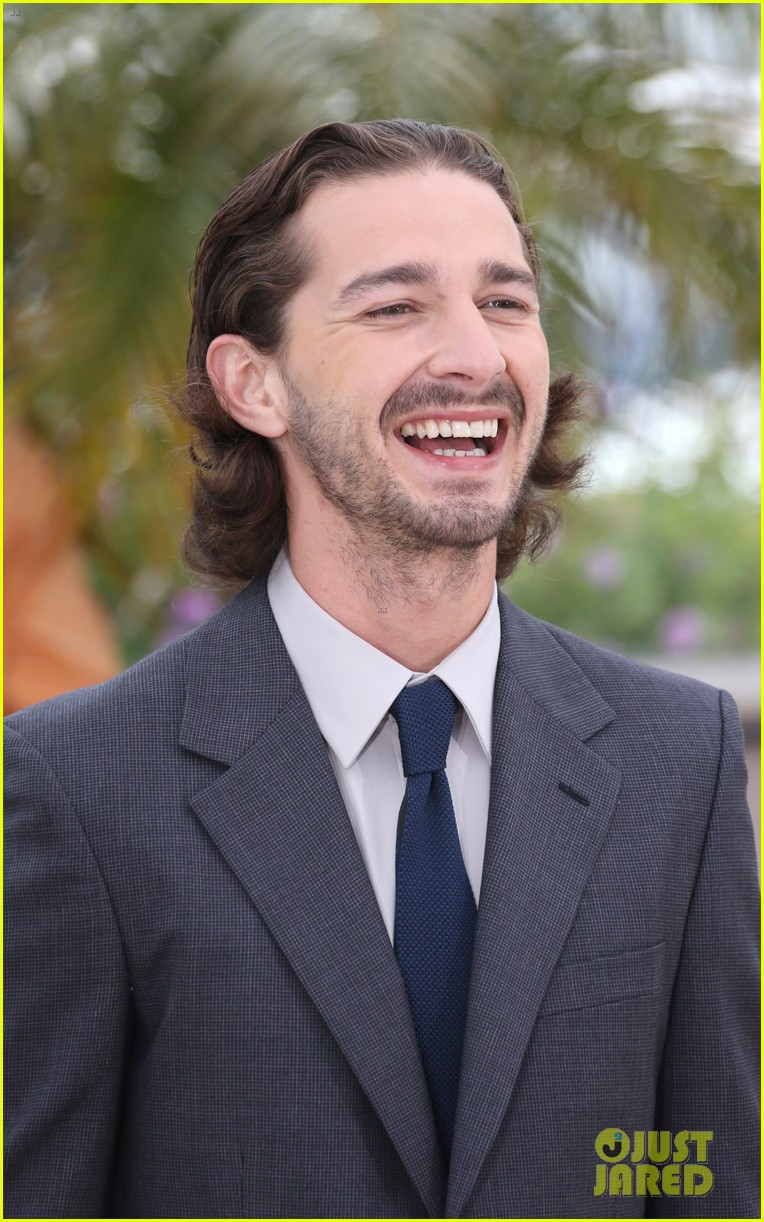 labeouf lawless photocall 03