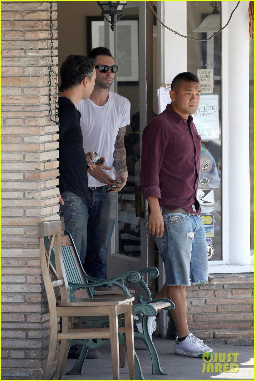adam levine lunch 04