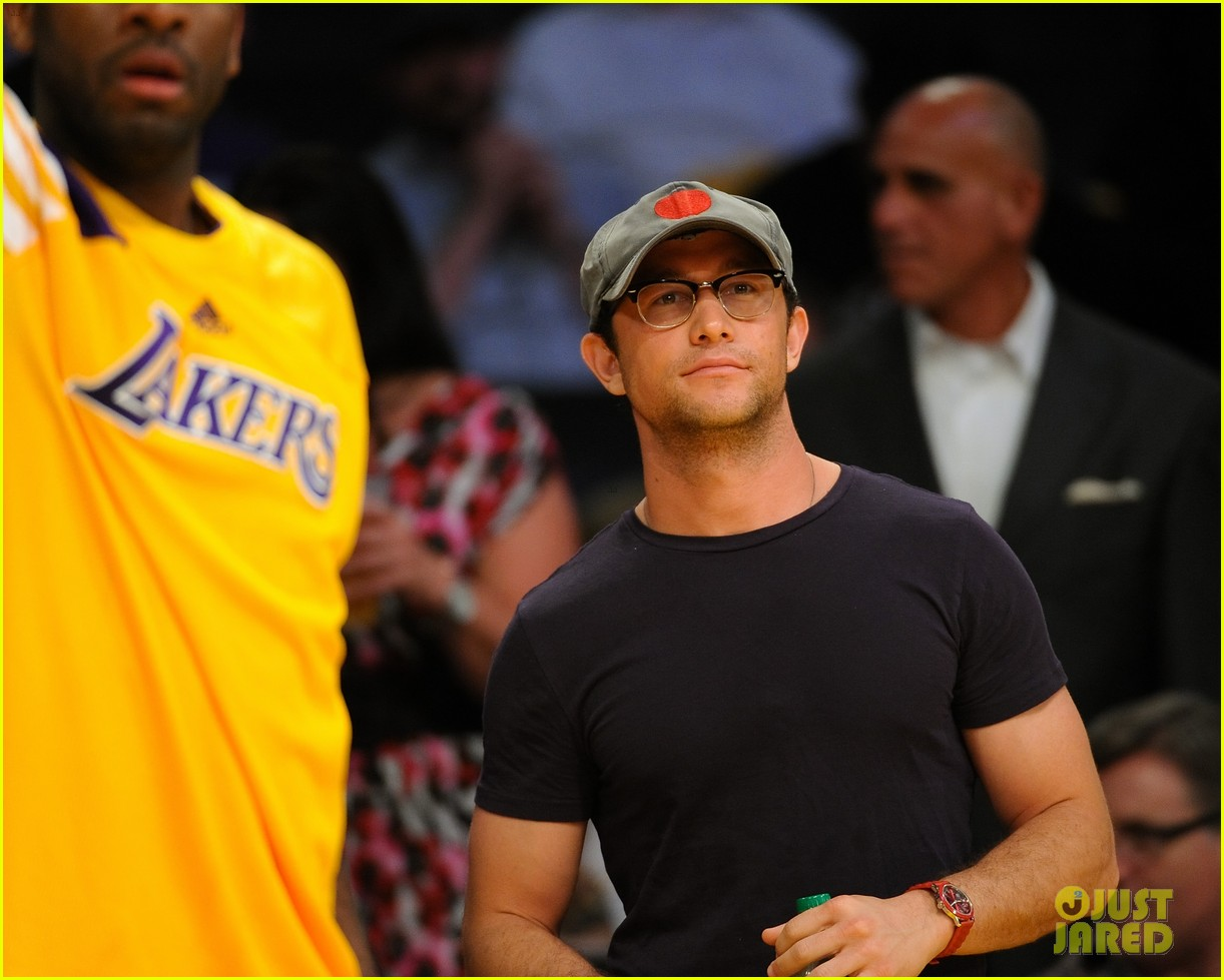 joseph gordon levitt lakers courtside tickets 022659481