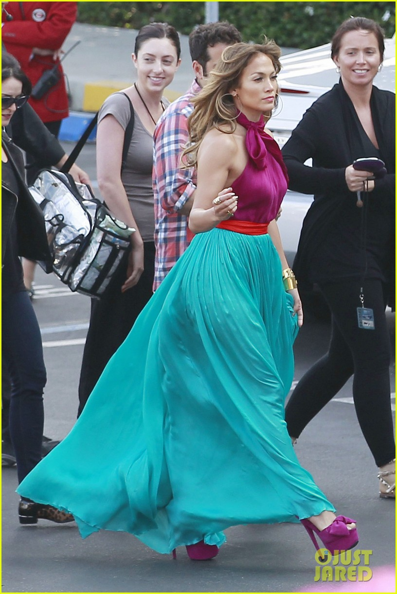 jennifer lopez colorful american idol dress 012663635