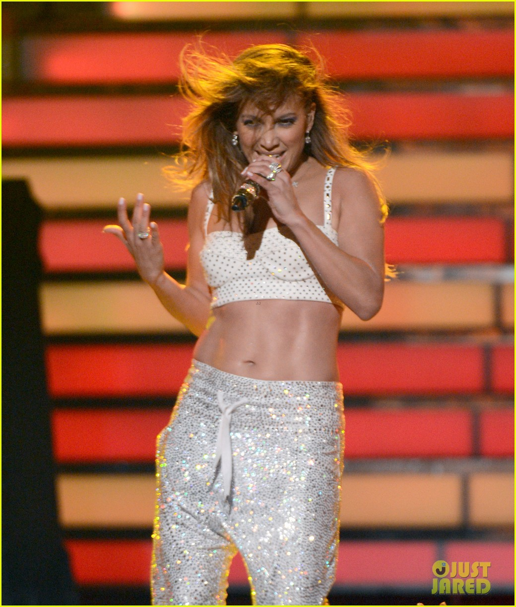 jennifer lopez american idol finale performance 15