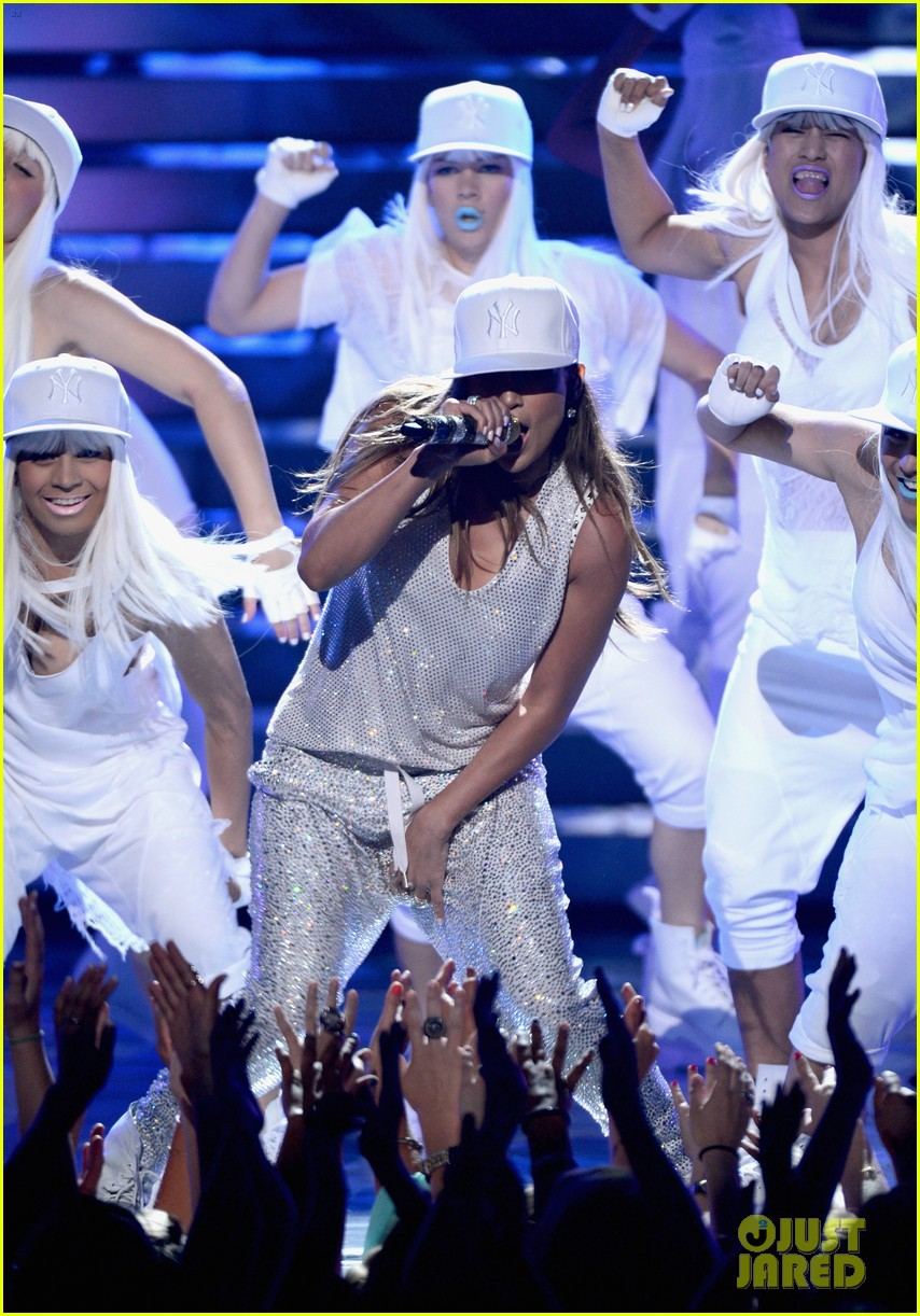 jennifer lopez american idol finale performance 28