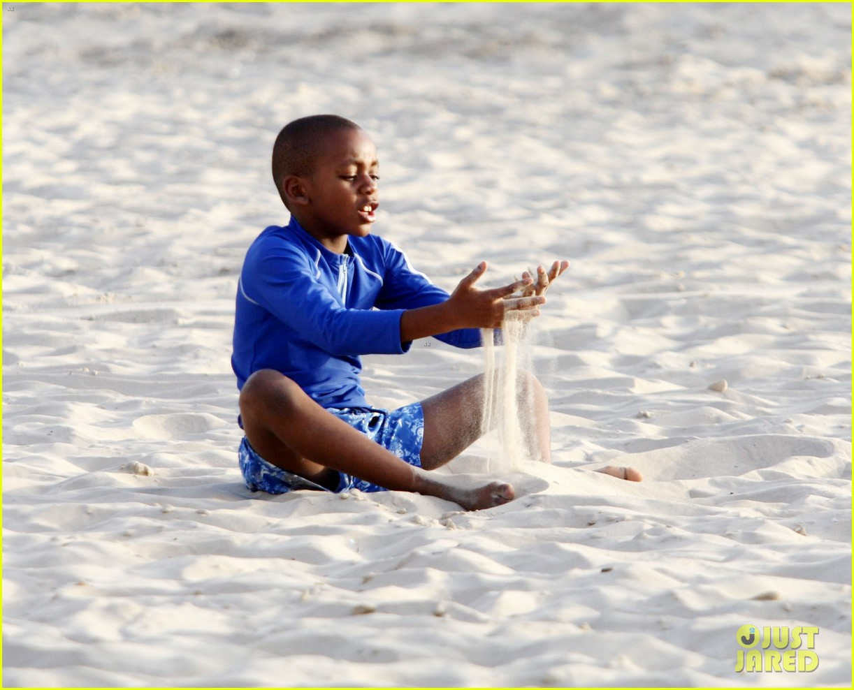 madonnas kids frolick the beach in tel aviv 192667366
