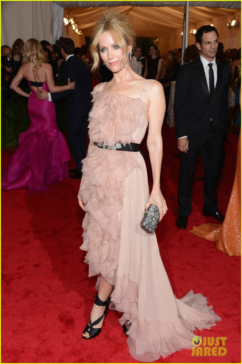 leslie mann met ball 2012 with judd apatow 052658782