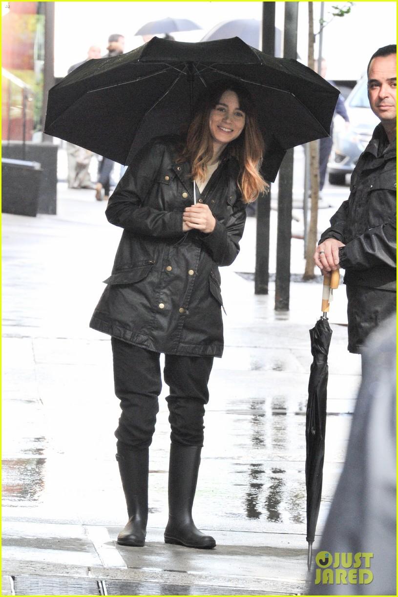 mara law rain on set 032660801
