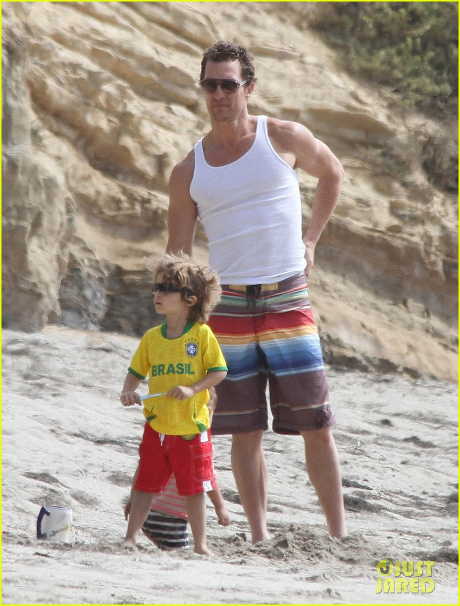 matthew mcconaughey beach day 012668501