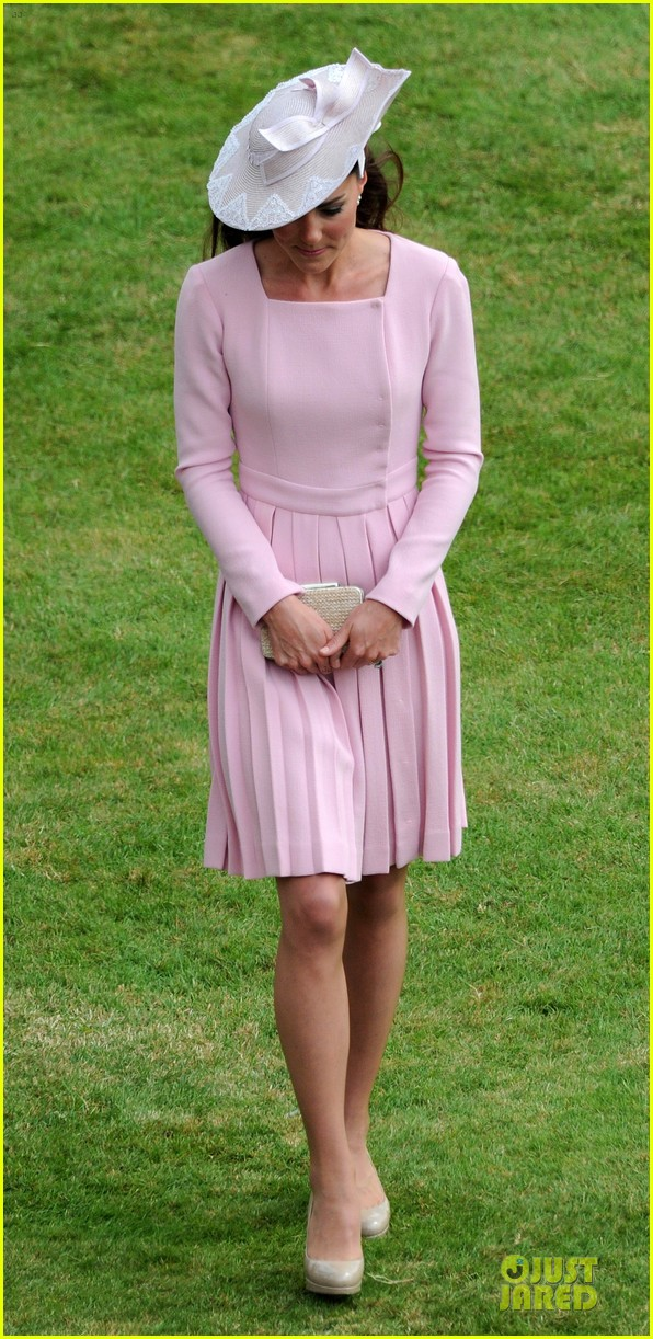 kate middleton buckingham tea party 15