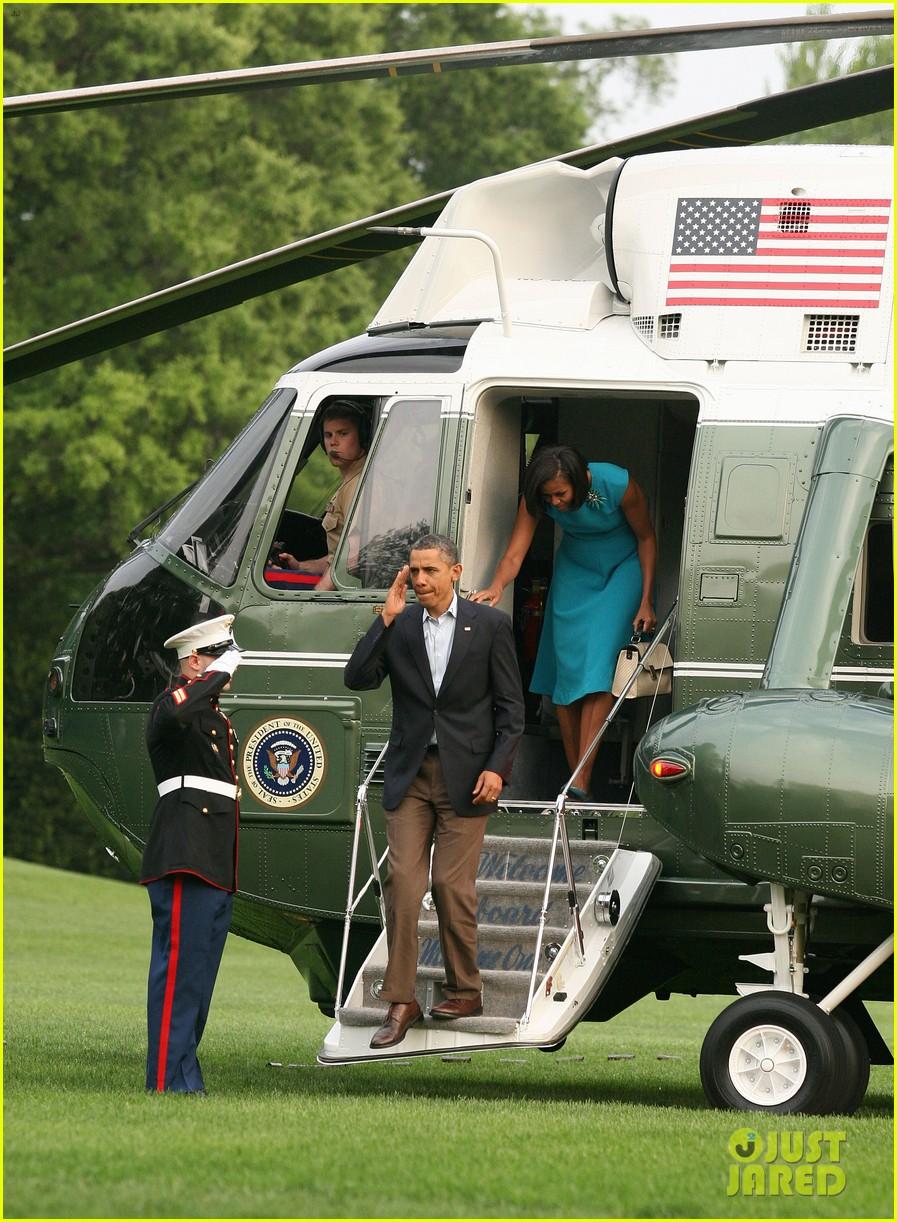 barack michelle obama white house arrival 032658179