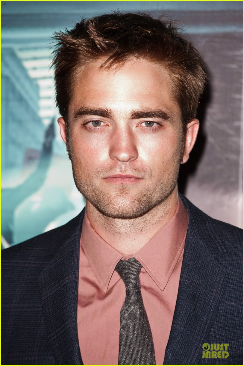 robert pattinson paris cosmopolis premiere 082668420