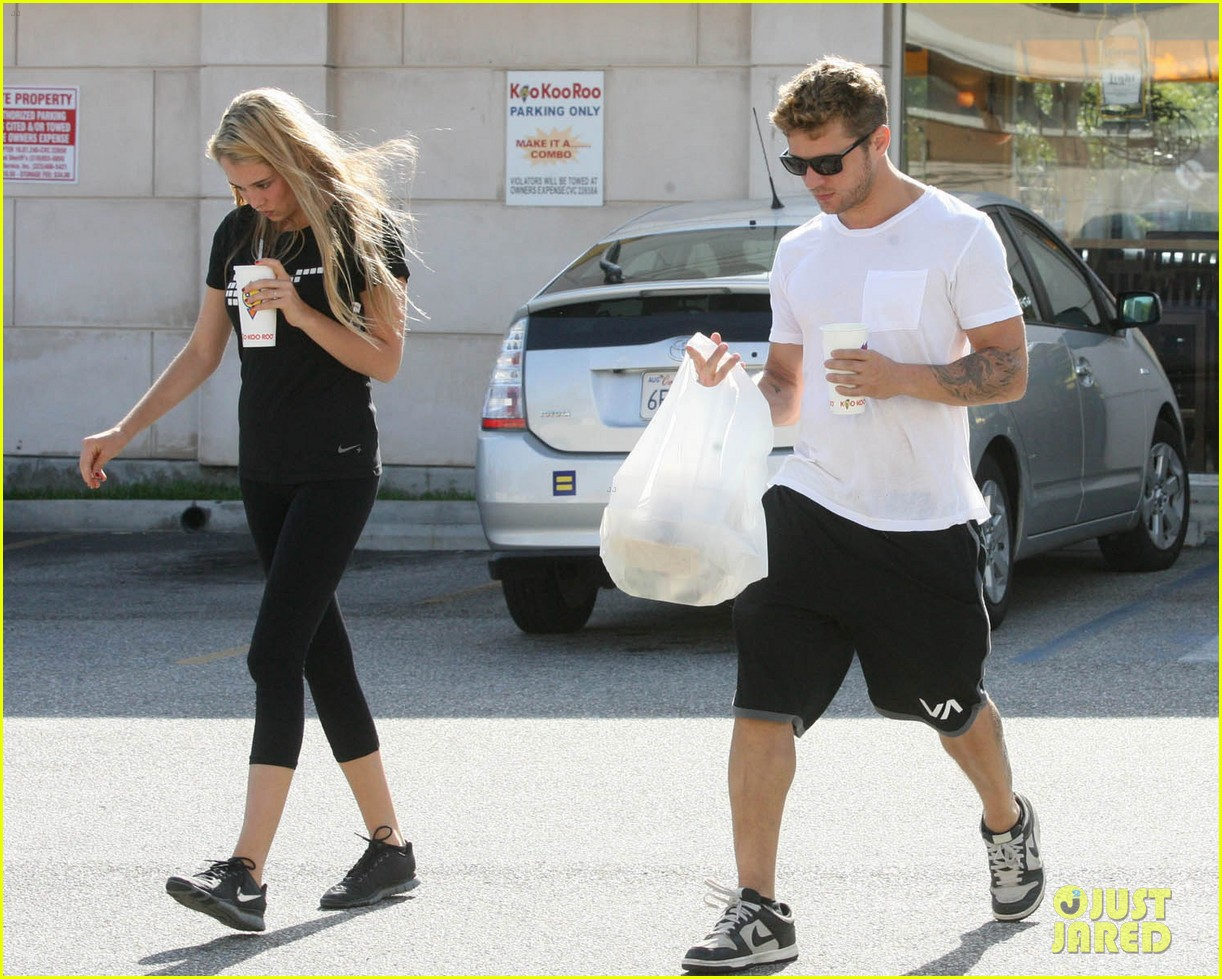 ryan phillippe paulina slagter coldplay lunch 042657954