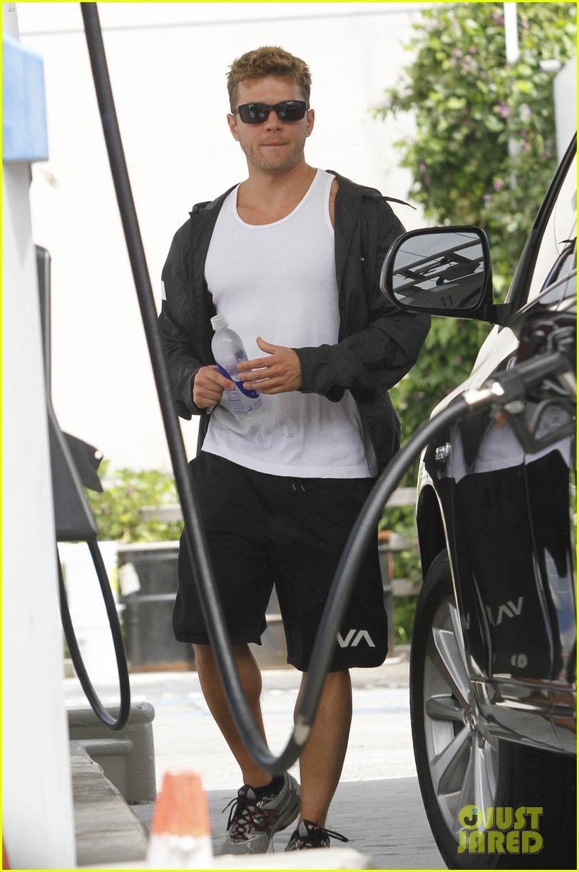 ryan phillippe craigs night out 112657005