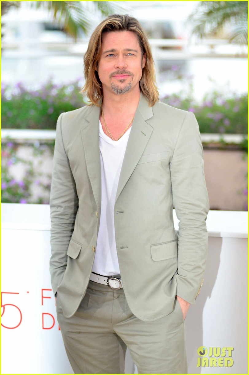 brad pitt cannes photocall 01