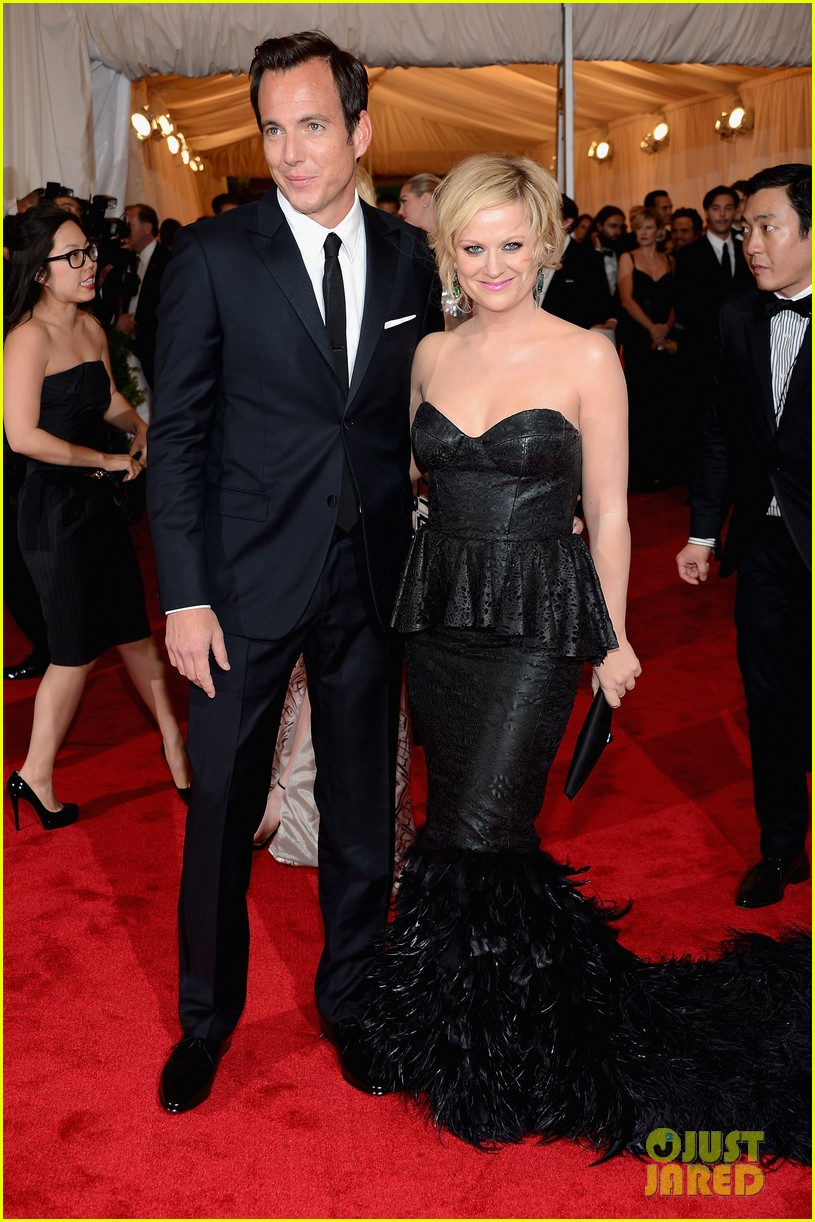 amy poehler met ball 2012 01