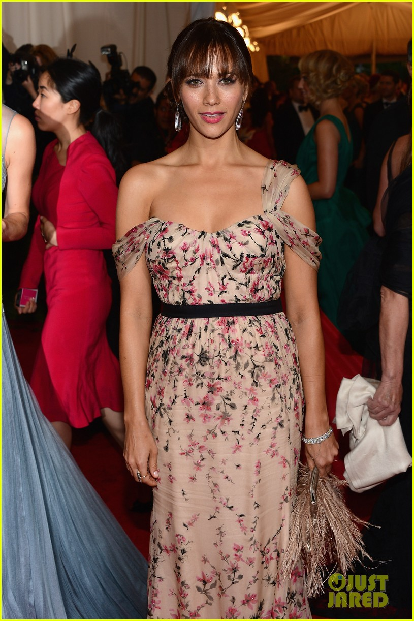 rashida jones 2012 met ball 012658455