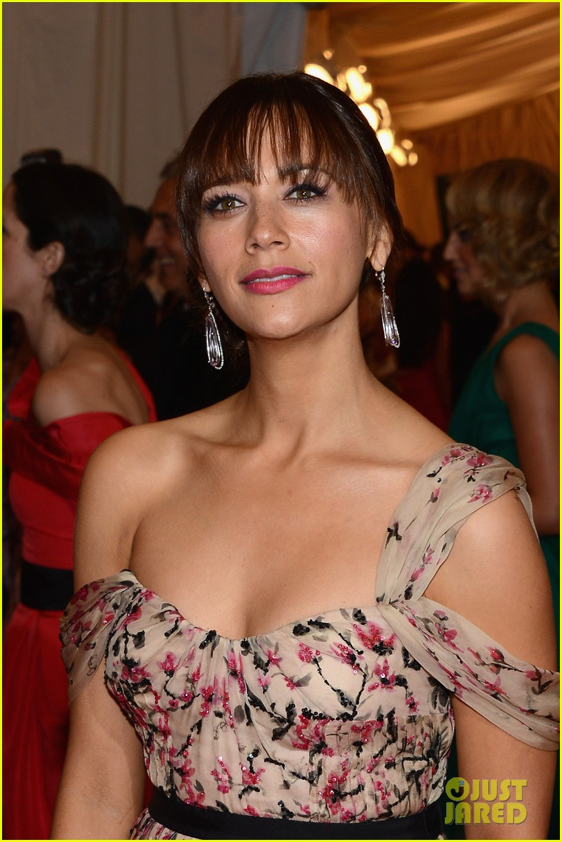 rashida jones 2012 met ball 042658458