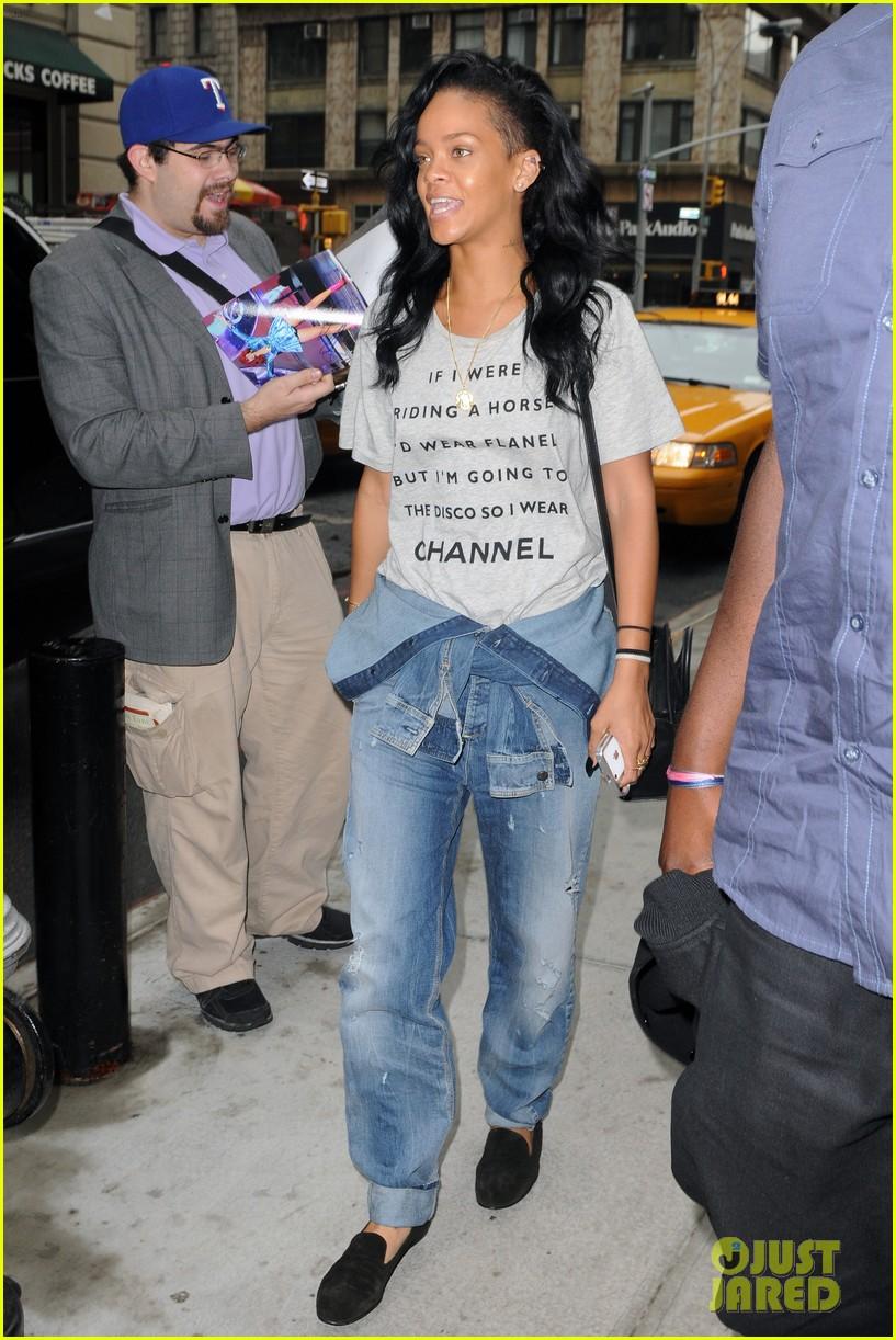 rihanna chanel shirt 032656071