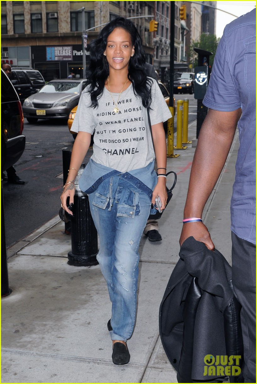 rihanna chanel shirt 04