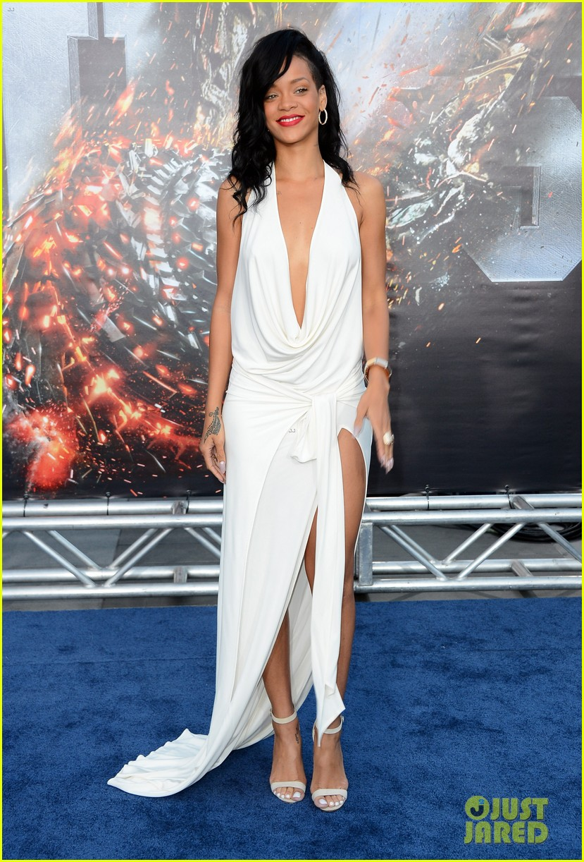 Rihanna Battleship Premiere In Los Angeles Photo