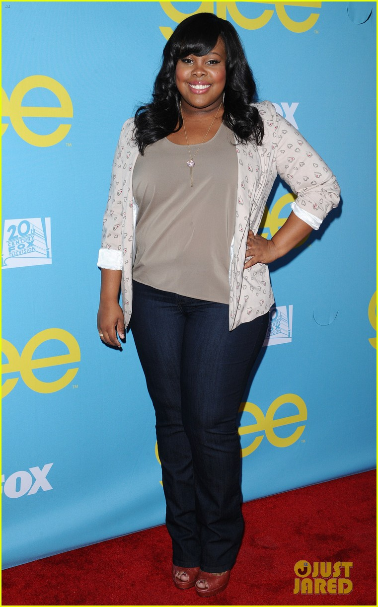 glee amber riley collapses on red carpet 062656350