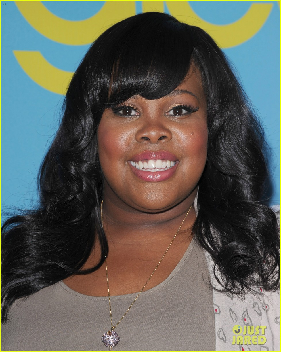 glee amber riley collapses on red carpet 072656351