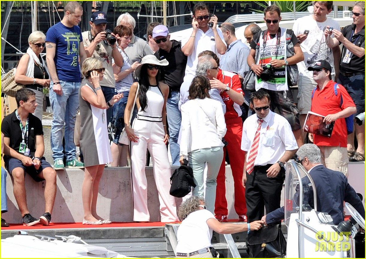 scherzinger boat ride 092667443