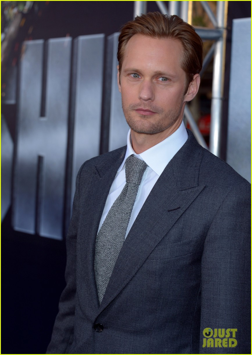 alexander skarsgard battleship premiere with liam neeson 14