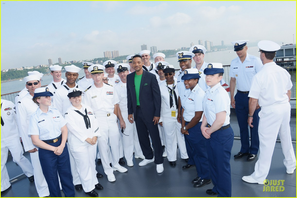 will smith josh brolin navy photo call 032665708