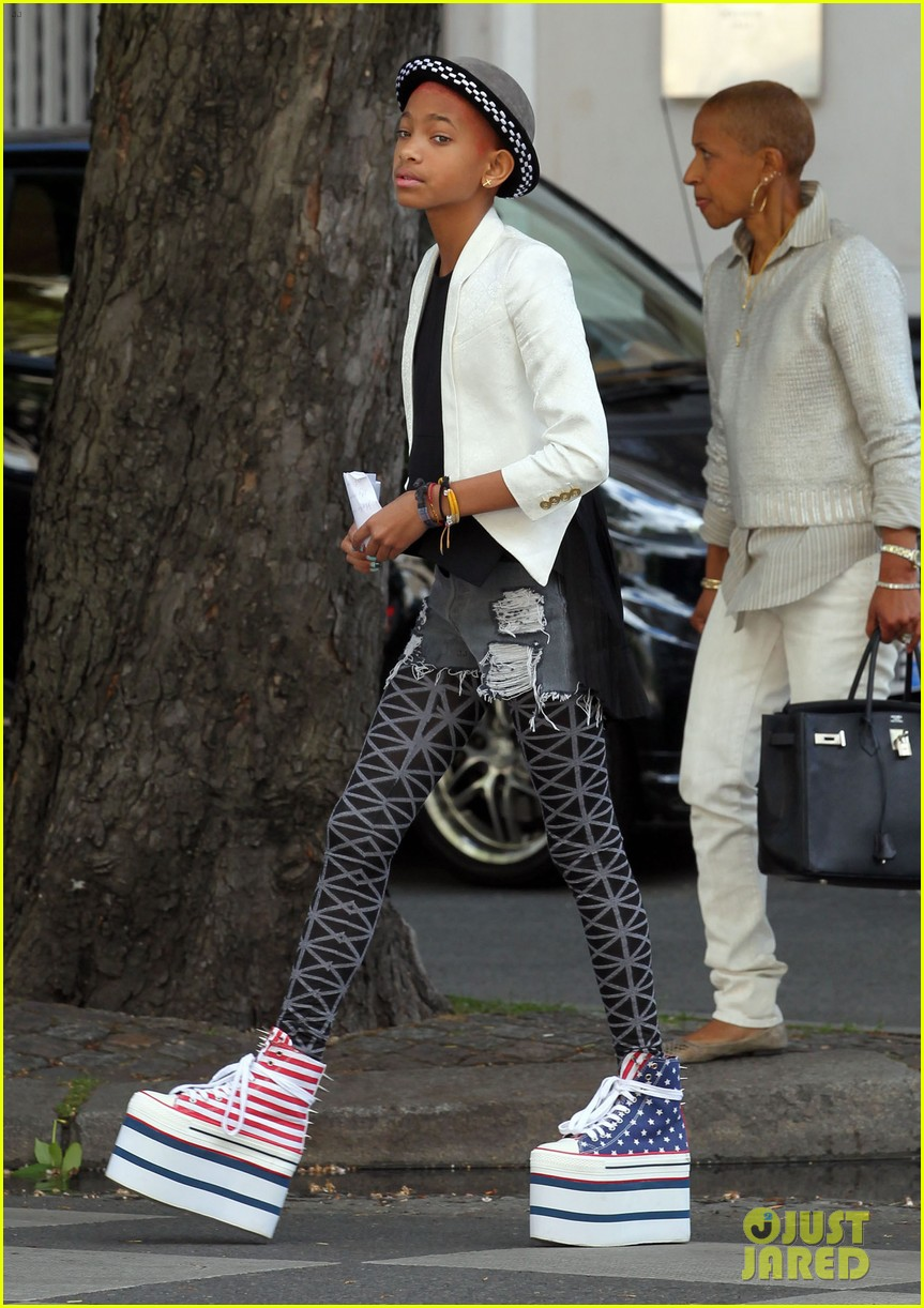 Willow Smith Stars Amp Stripes Sky High Sneakers Photo
