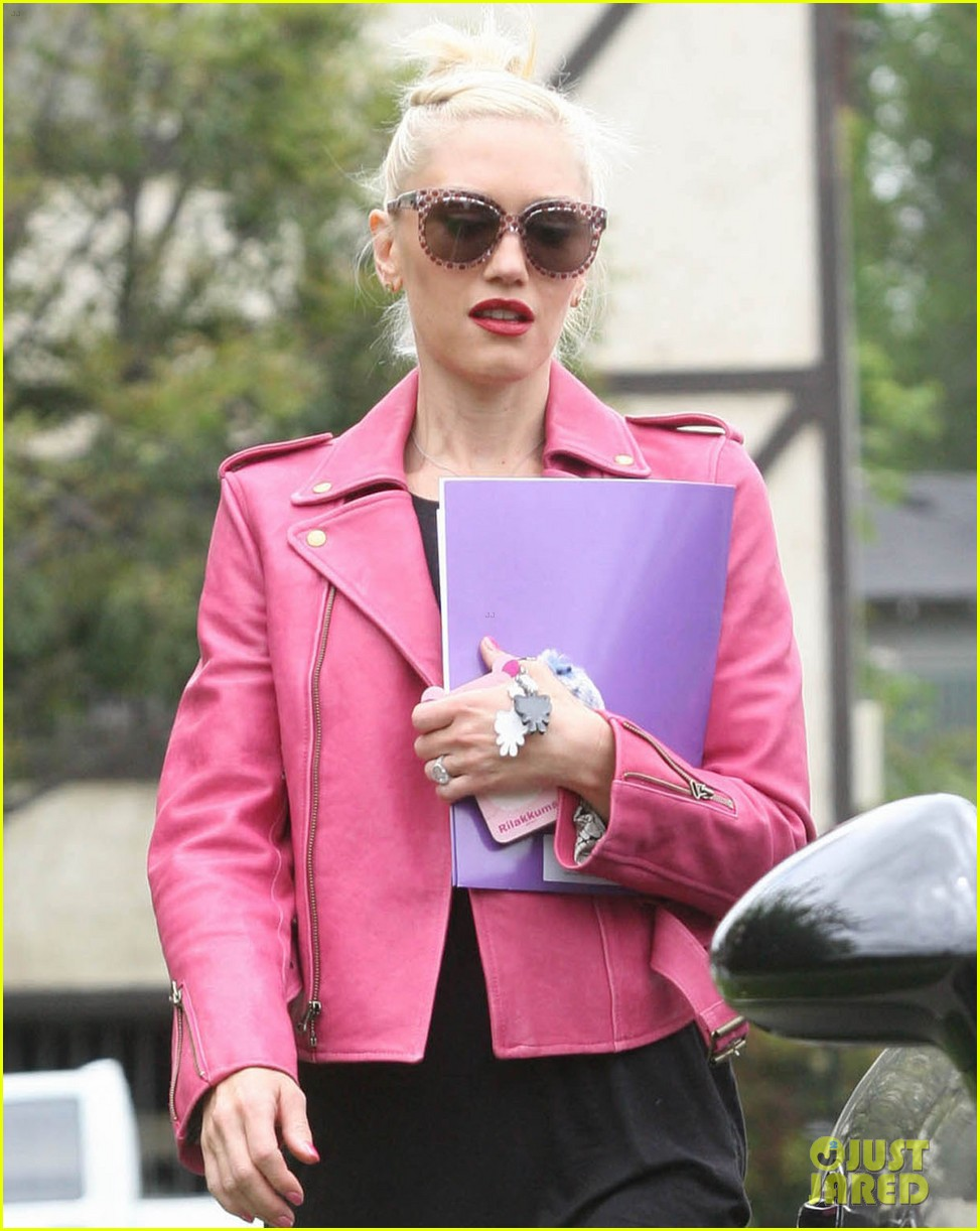 gwen stefani leaving office 042657216