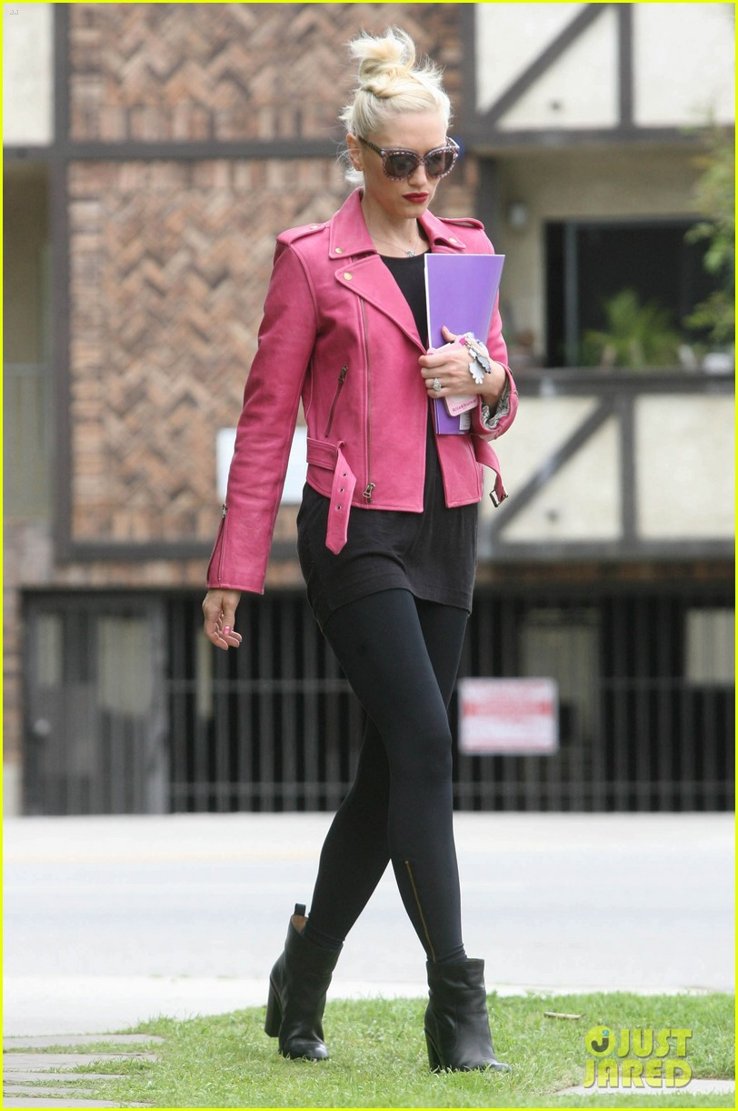 gwen stefani leaving office 07