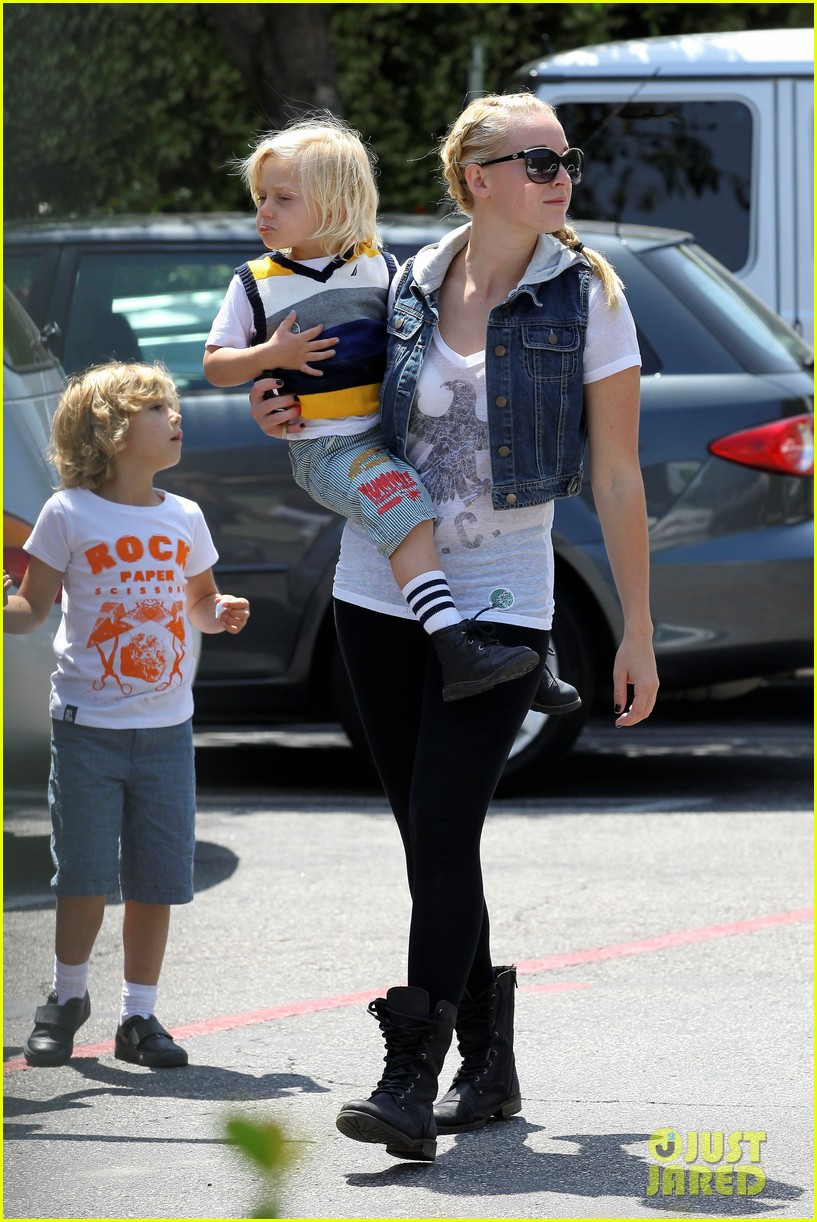gwen stefani kids party 04