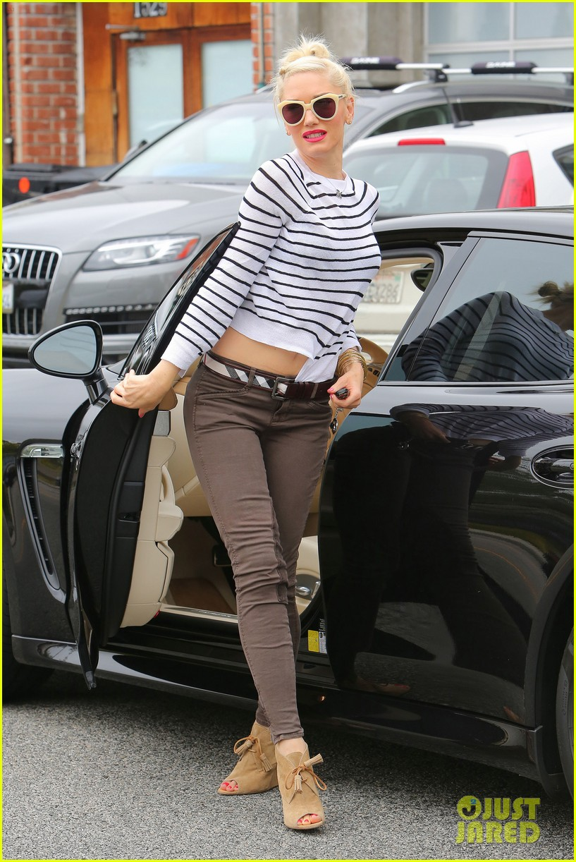 gwen stefani stripes at the studio 15