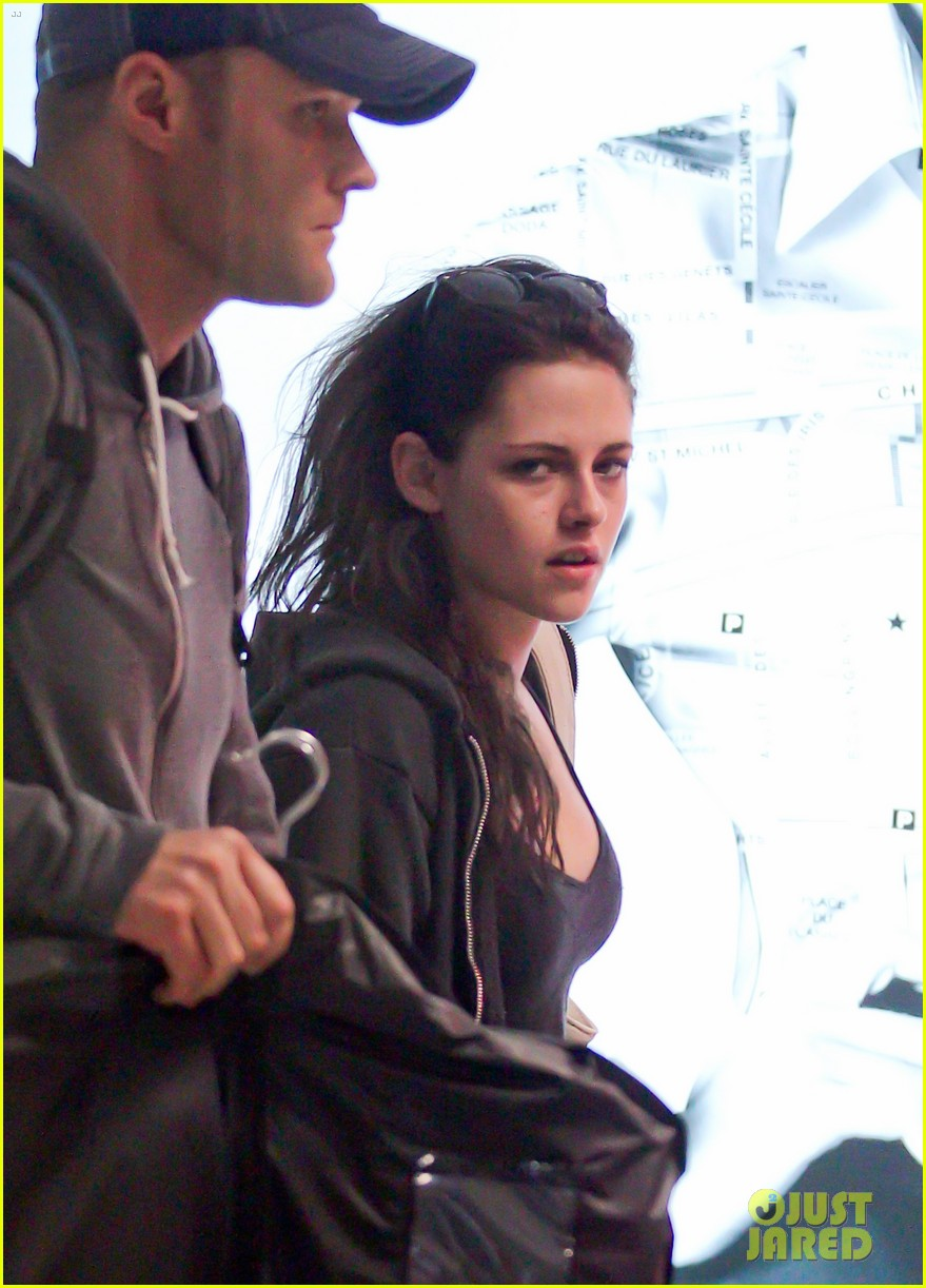 kristen stewart makes it to cannes 11