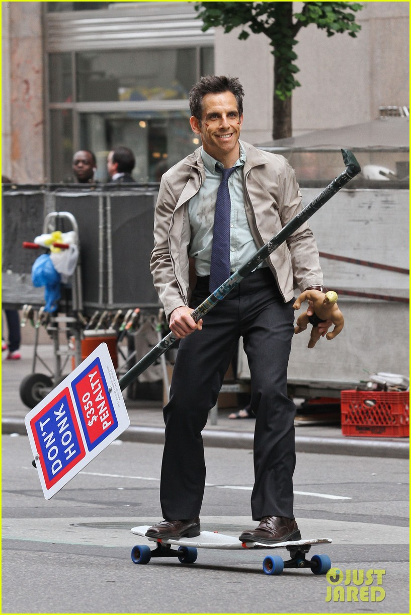 ben stiller skateboarding mitty set 042667988
