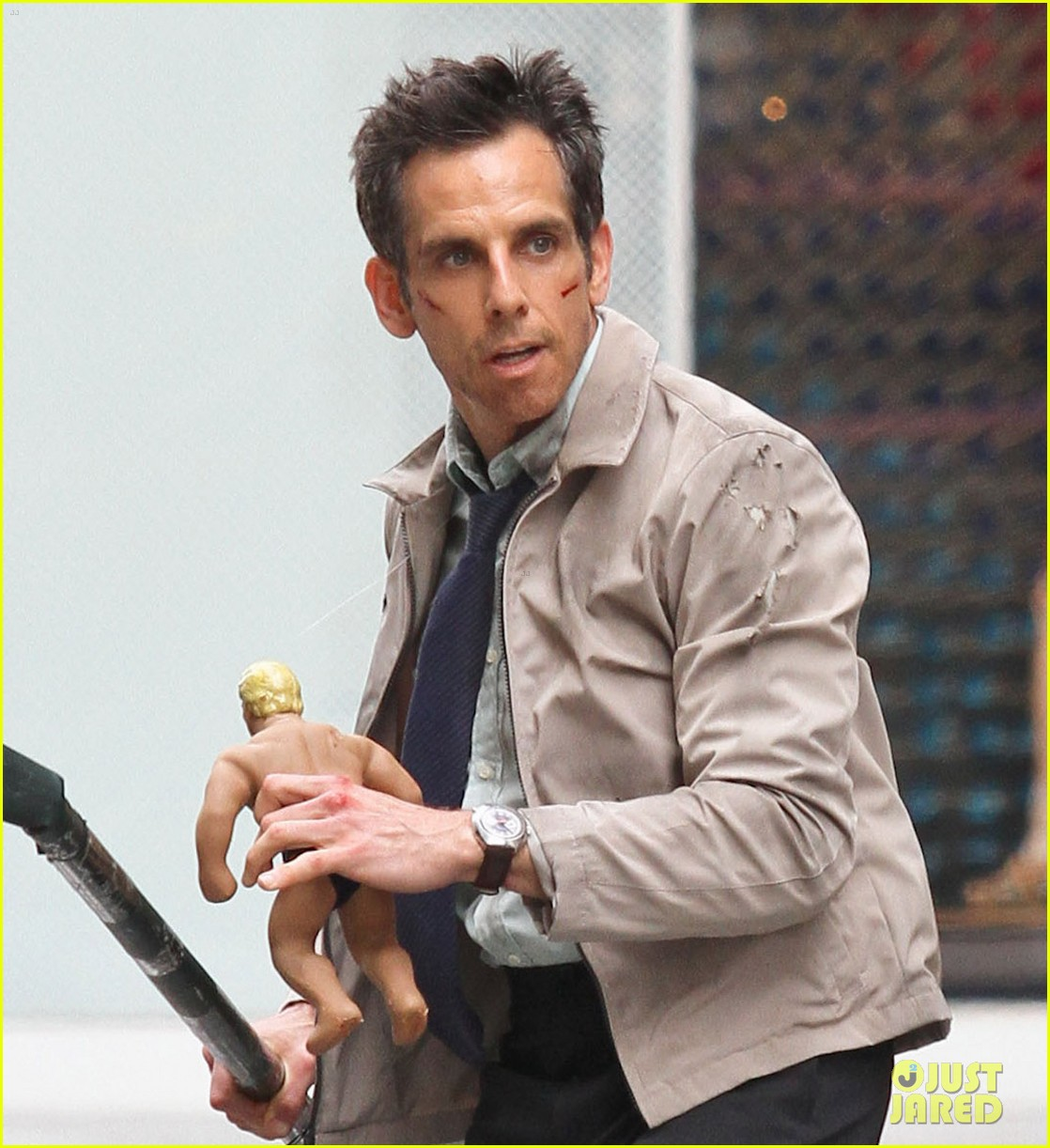 ben stiller skateboarding mitty set 052667989