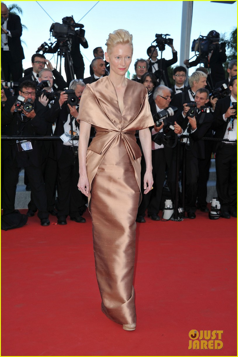 tilda swinton bruce willis moonrise kingdom premiere cannes 01
