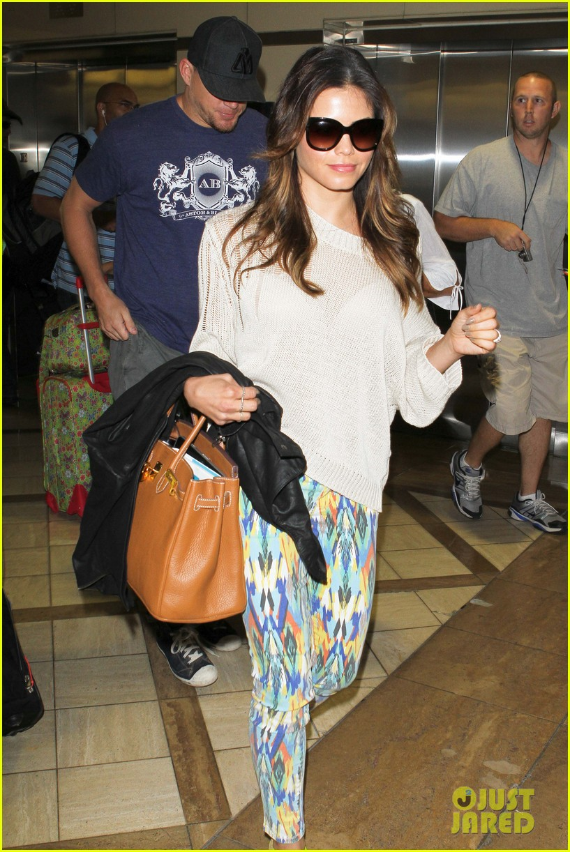 channing jenna leaving lax 042664627