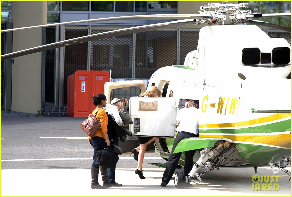 charlize theron helicopter london 042660530