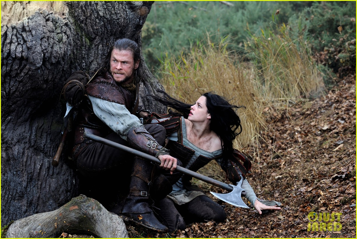 kristen stewart charlize theron new snow white stills 11