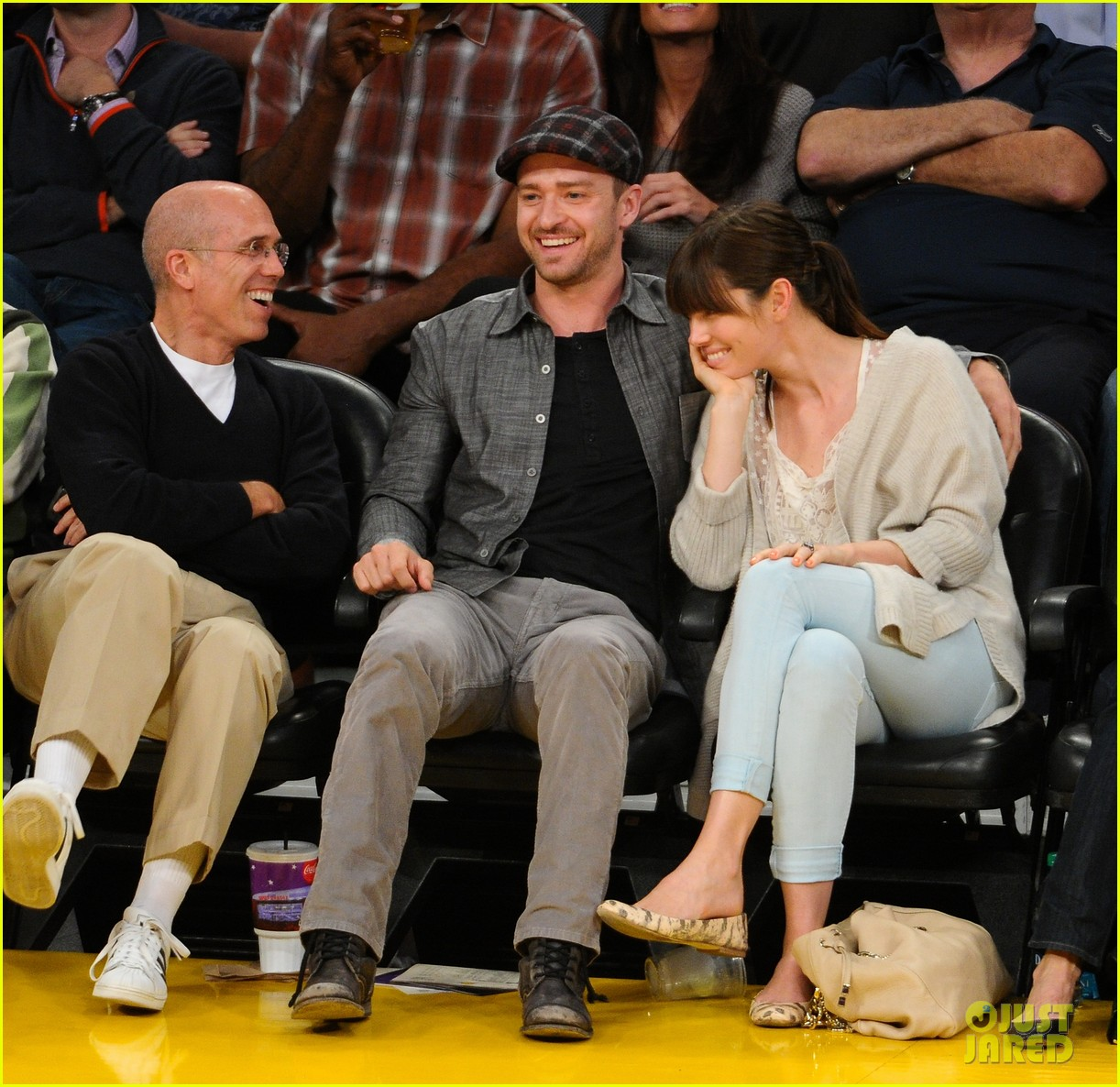 justin timberlake jessica biel lakers game 01