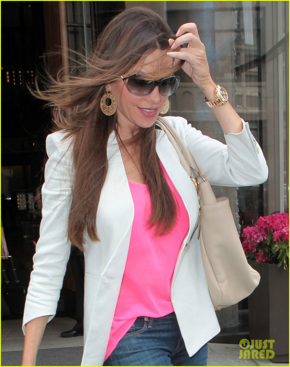sofia vergara out in nyc 102660757