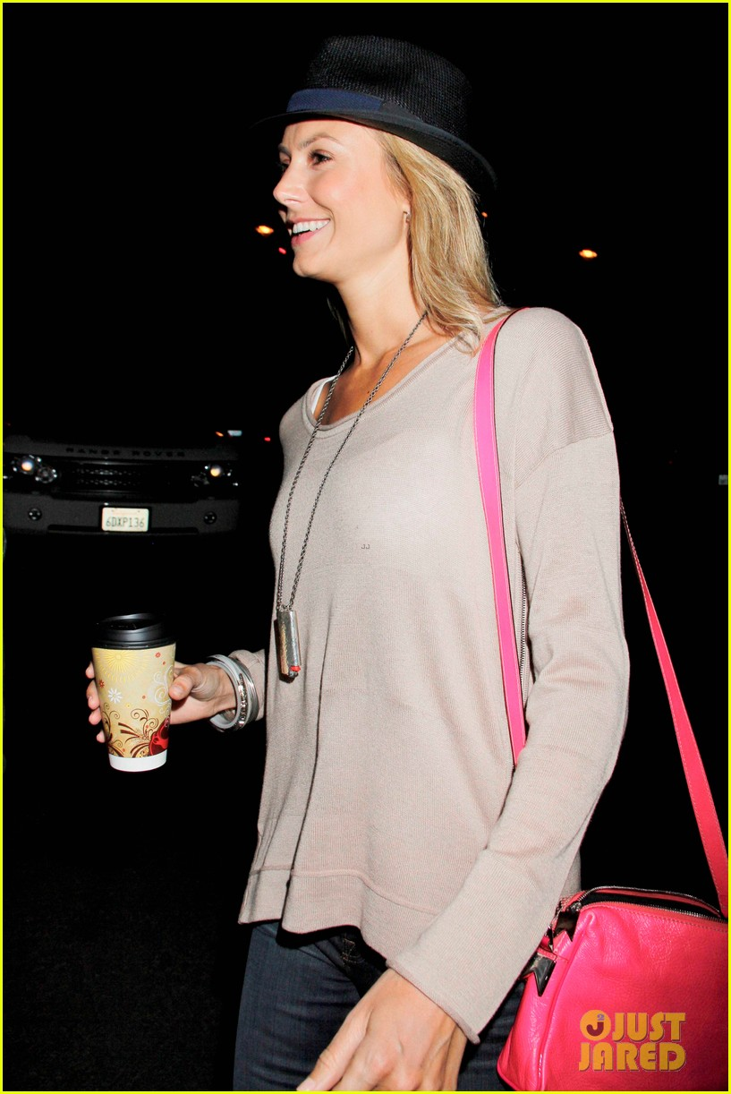 rosie huntington whiteley stacy keibler coldplay concert 10